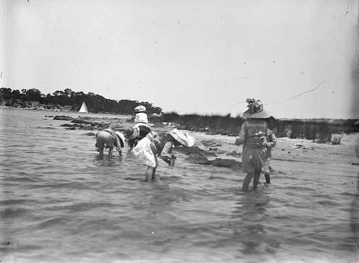 Children playing in Swan River 1905; State Library of WA collection